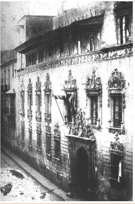 La Casa Gralla en 1855, en una de las pocas fotografías existentes. La casa Gralla fue un palacio de estilo renacentista situado en la calle Portaferrissa de Barcelona. Comenzada en el siglo XIV para ser la residencia barcelonesa de los Desplà, señores de Alella, familia que en el siglo XVI van a entroncarse con los Gralla y sucesivamente con los marqueses de Aitona y los duques de Medinaceli