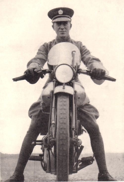 T.E. Lawrence on his 1932 Brough Superior. A Sharif of the Beni-Wadj and Biker dude-AWESOME. Except for the fact that is how he died....poor guy.