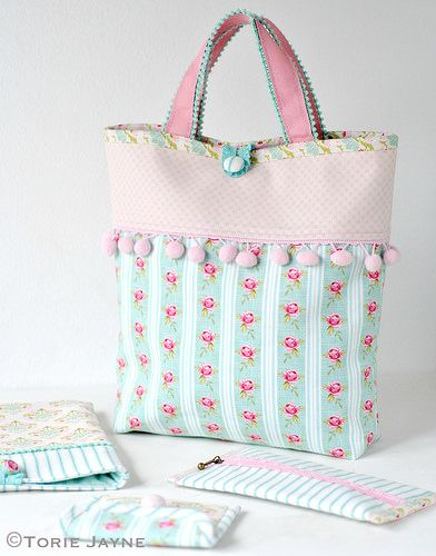 Molly's Handmade bag - Pompom Trim Tote Bag - free pattern & tutorial @ Torie Jayne                                                                                                                                                      More