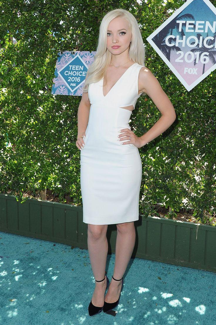Dove Cameron at Teen Choice Awards 2016