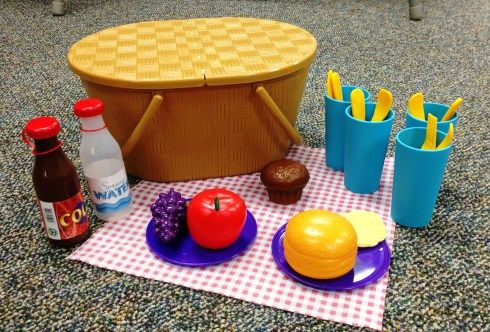 Picnic Storytime - Sunflower Storytime This wonderful site actually has a whole index of storytime themes with books, crafts and rhyming activities to go along with them.