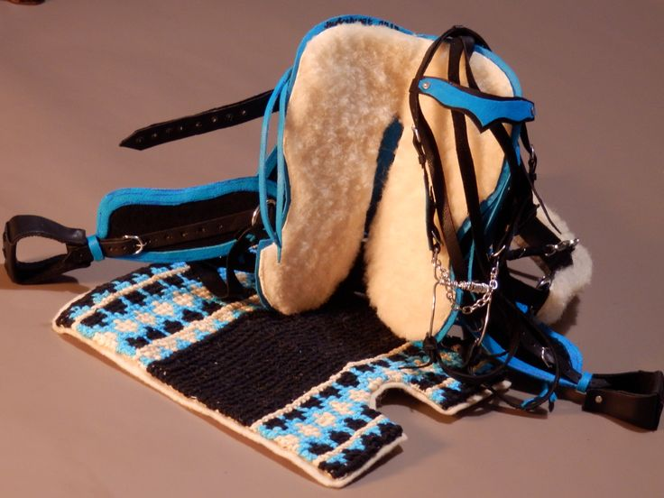 Western saddle, macrame saddle pad, briddle - black-turquoise. Saddle and bridle size for Sindy toy horses. Made by Juditheart