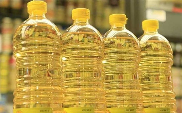 Scientists warn against the dangers of frying food in sunflower oil and corn   oil over claims they release toxic chemicals linked to cancer