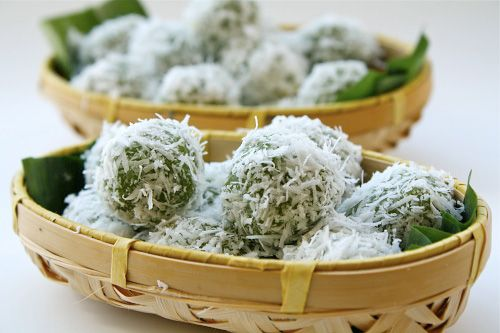 Onde-onde (Ondeh-ondeh) 250 g Glutinous Rice Flour 200 ml Pandan Juice 150 g Gula Melaka (Palm Sugar), finely chopped 100 g Grated Coconut A Pinch Of Sea Salt