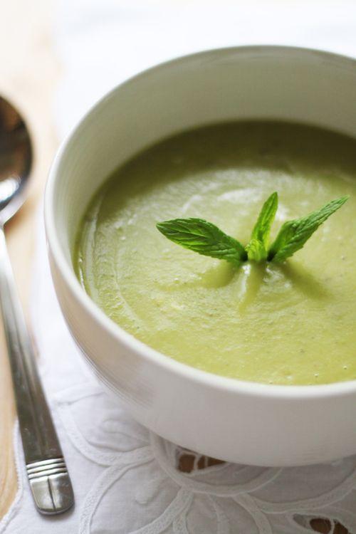 Mint, zuppa di piselli e yogurt