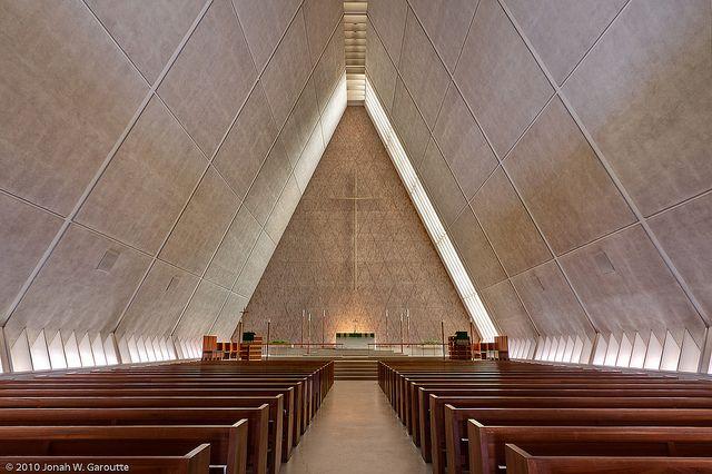 Kramer Chapel in Fort Wayne, Indiana. Architect: Eero Saarinen.