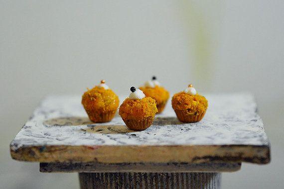 Dollhouse Food Miniatures 4pc Set of orange Cake 1/12 от Galchi