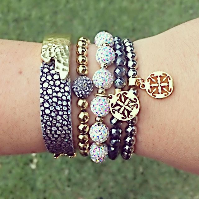 Bring it on Monday, me and my new mini Dallas are ready for you! #rusticcuff