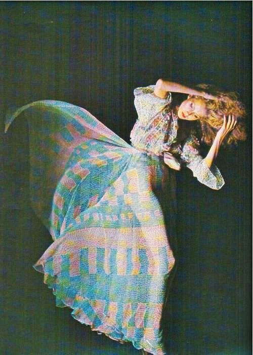 Ossie Clark 1976/ moda etnica maxi falda