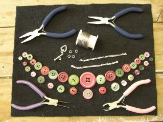 Lilly Pilly: A Button Necklace Tutorial