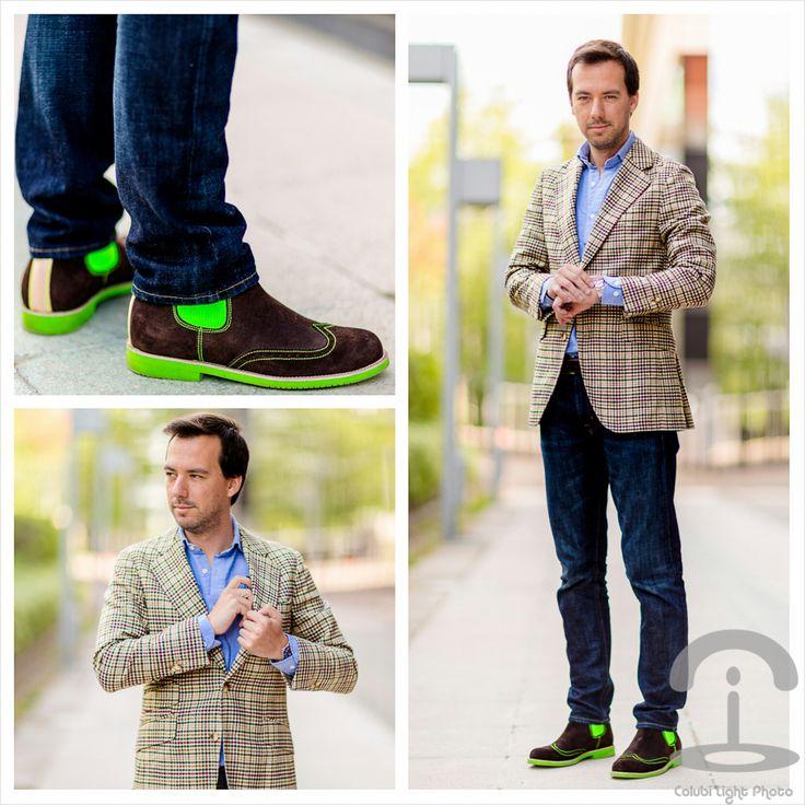 Blazer: Scalpers Camisa: Scalpers Vaqueros: American Eagle Botas: Neon Boots Gafas: Oakley Reloj: Rolex