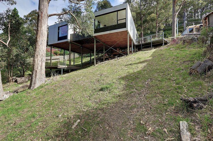 HOVER HOUSE, Hobart, Tasmania by Room 11