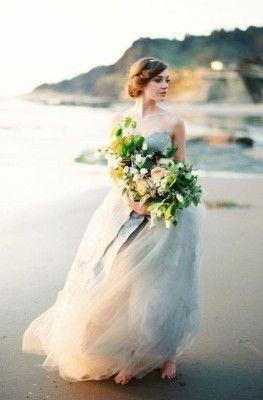 Воздушное свадебное платье цвета морской волны
