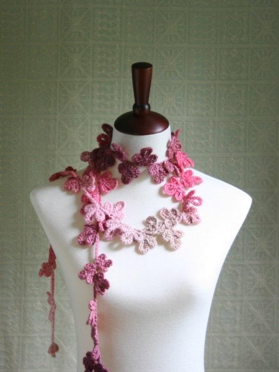 Amazing scarf, like a necklace.