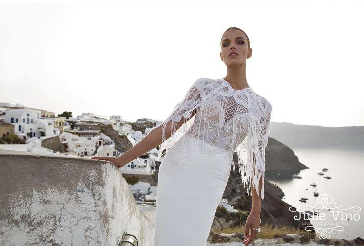 «Не могу налюбоваться на эти потрясающие платья . И виды такие шикарные .. Мммм.. #Santorini  Весна-Лето 2016 от @julievinobridal ⭐️ невесты , начинаем…»