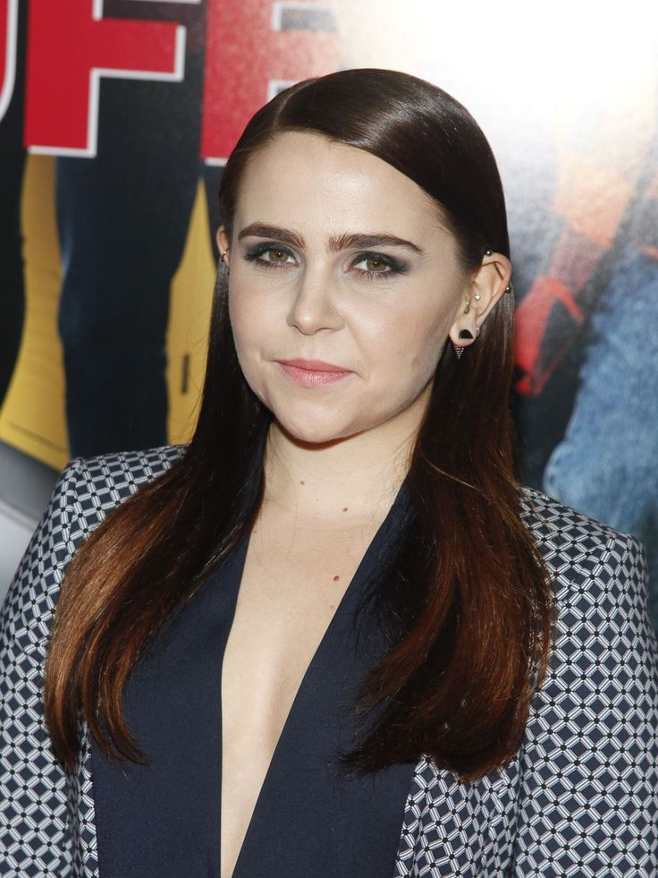 Mae Whitman attend the The Duff premiere - http://celebs-life.com/?p=86516