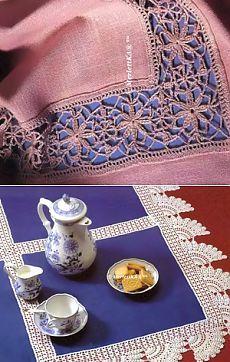 Скатерть с белым кружевом и верхняя скатерть с кружевными вставками