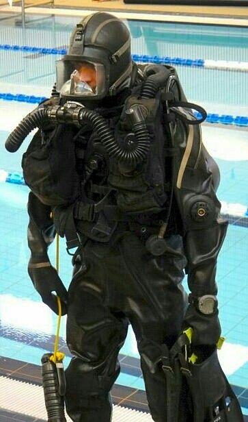 47 best cool scuba gear images on pinterest diving equipment scuba gear and scuba diving gear - Navy seal dive gear ...