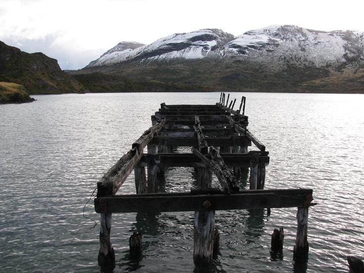 Muelle abandonado en el Lago Sarmiento, Torres del Paine