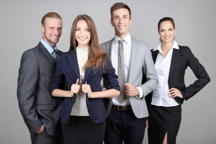 Comment devenir hôtesse d'accueil ? Emploi, Etudes, diplômes, salaire, formation, rôle, compétences   Carrière Hôtesse