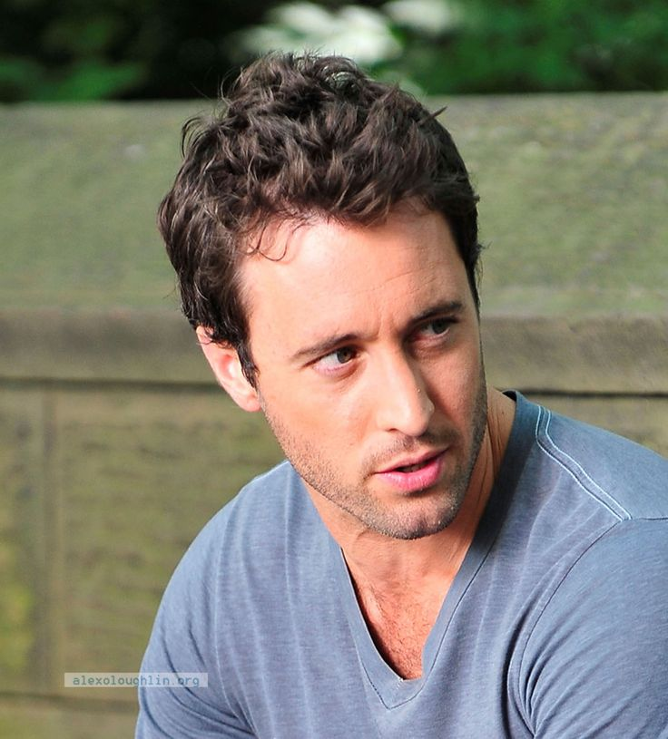 If you saw the movie The Back-Up Plan this past weekend, you might be wondering, Wow, who's that really hot guy starring in it? Well, that really hot guy is Alex O'Loughlin, an Australi…