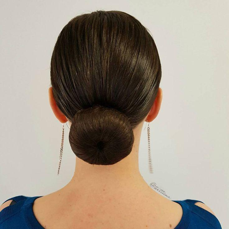 Braids & Hair by @terttiina Instagram: A classic low bun.