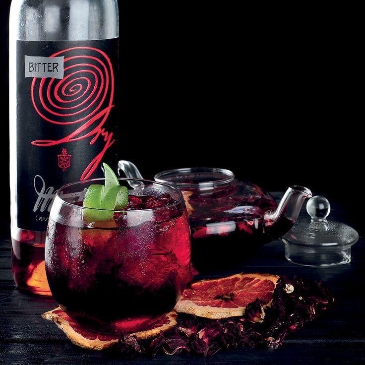 By Charles Flamminio    cl. 3 di Bitter dry Montresor cl. 3 di Vermouth Rosso cl. 4 di acqua frizzante aromatizzata al Karkadè, rose, malva e frutti di bosco sciroppo di pepe cardamomo  #lamadia #lamadiatravelfood #cocktail #fashion
