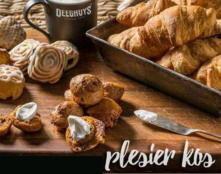 Waar kry jy die lekkerste #croissants, vars gebakte pasteie en Huyskos klaargemaakte maaltye? Deeghuys natuurlik. Van die vrieskas na die oond na die ma-a-a-a-a-a-g!!! Heerlik! #DeeghuysGeorge