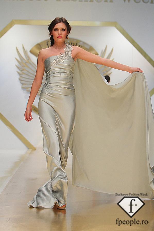 Giada Curti - Bucharest Fashion Week - Decembrie 2011