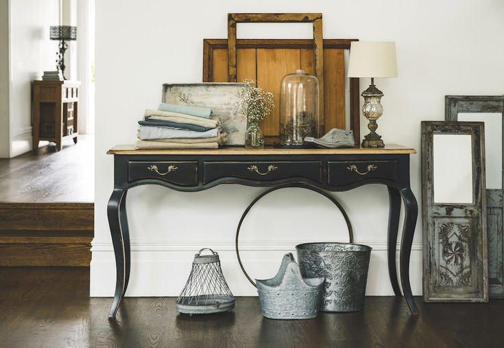Oh so French!  Give your entanceway  some French finesse with Early Settler's beautiful collection of unique furniture and homewares.