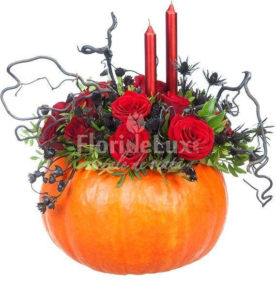 Flori de Halloween pline de farmec, culoare si atitudine, doar la #floridelux: https://www.floridelux.ro/aranjament-de-masa-pentru-halloween.html