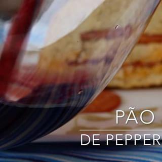 Veja COMO FAZER Pão de Pepperoni da foto anterior. Sem sova, sem nem sujar as mãos. Pão de Colher, tão fácil quanto preparar um Bolinho Simples e 😋 delicioso! Lembra aqueles Tortanos servido de entrada nas Pizzarias famosas.  #tortano #pao #paodepepperoni  #paodeazeite #paosemsova #paodeliquidificsdor #paofacil #montaencanta