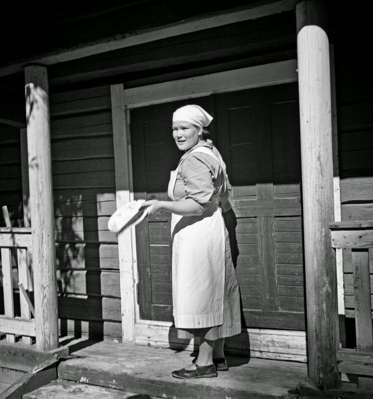 vintage everyday: Black and White Photos of Daily Life in Finland in 1941