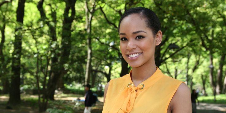 ミス・ユニバース日本代表に選ばれた宮本エリアナさん(20)は、長崎県佐世保市の出身で、日本人の母親とアフリカ系アメリカ人の父親を持つ。ハーフとして初めて日本代表に選ばれた彼女は「日本と世界から人種への偏見をなくしたい」と訴えている。