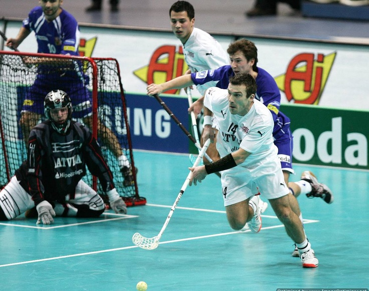 Floorball has got to be one of the funnest sports to play! It's been 6 years since I moved to Utah and I still can't believe that nobody here plays this sport. I miss it, that's for sure!!!!