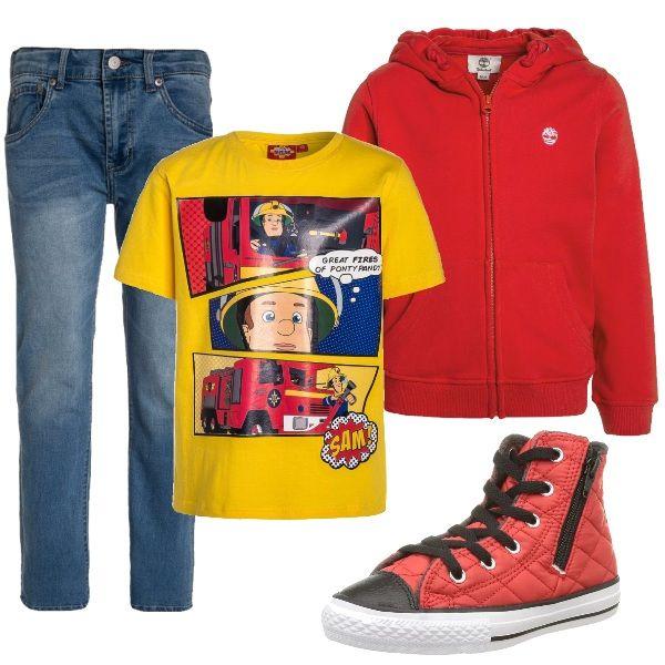 La t-shirt di questo outfit raffigura uno dei miti dei bimbi: il pompiere. L'ho abbinata ad una felpa con zip rossa, delle sneakers trapuntate sempre rosse ed un jeans, Per completare il look potete optare per un piumino blu.