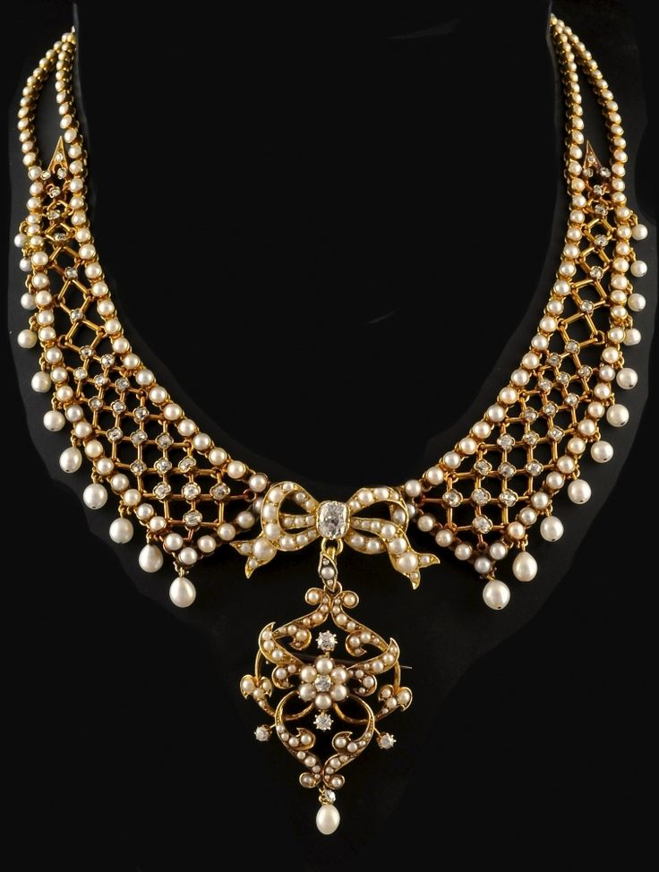 Antique 18c gold Necklace with oriental pearls and diamond set, the Brooch / Pendant is detachable. French circa 1880