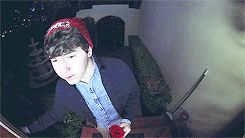 #imagine jc showing up to pick u up for a date and gets really nervous before he rings your doorbell but plays it off like he wasn't nervous