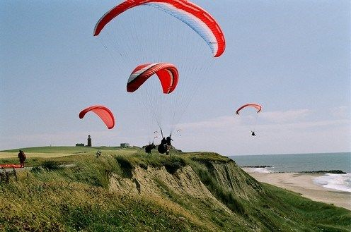 Paragliding an den Abhängen an der Nordsee und am Limfjord.