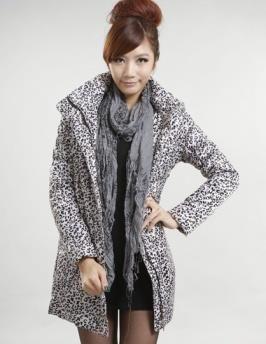 Леопардовое пальто с капюшоном