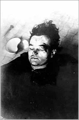 The body of Jan Kubis This Day in History: Operation Anthropoid http://dingeengoete.blogspot.com/