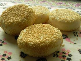 「●イングリッシュマフィン風のゴマパン」nobuchi | お菓子・パンのレシピや作り方【corecle*コレクル】