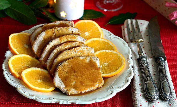 L' Arista all'arancia è un secondo piatto molto raffinato e ricco di gusto, da presentare ai vostri ospiti anche durante le festività natalizie!