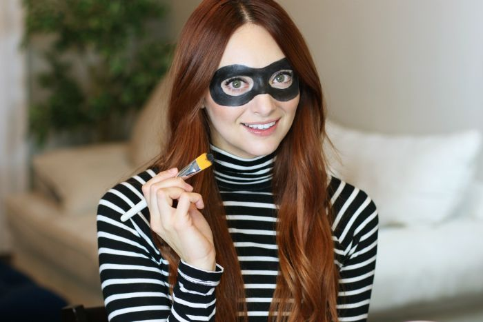 Quick & Easy Robber Halloween Mask Makeup