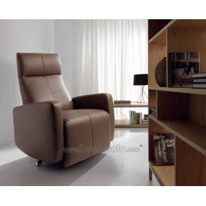 $502 / 395€ SILLÓN RELAX GIRATORIO KEOPS con apertura mecánica. El asiento y el respaldo están tapizados en auténtica piel natural y los brazos en piel sintética. Disponible en crema, chocolate y negro. Las medidas son: 75x76-167 cm. y 110 cm. de altura.: Auténtica Piel, El Asiento, 75X76 167 Cm, Leather, Relax Giratorio, Sillones Relax, Piel Natural, Sillón Relax