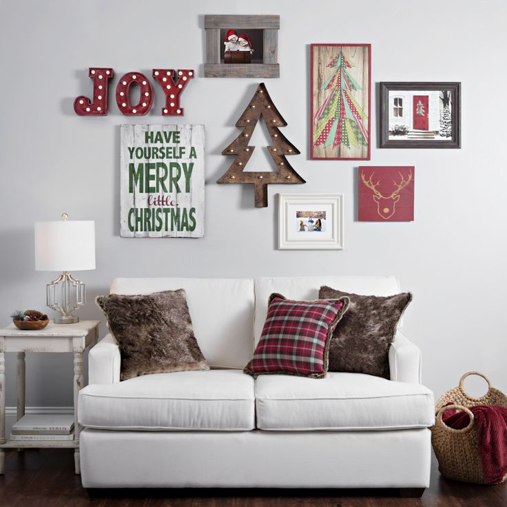 Best 25 diy christmas wall decor ideas on pinterest for Living room xmas ideas
