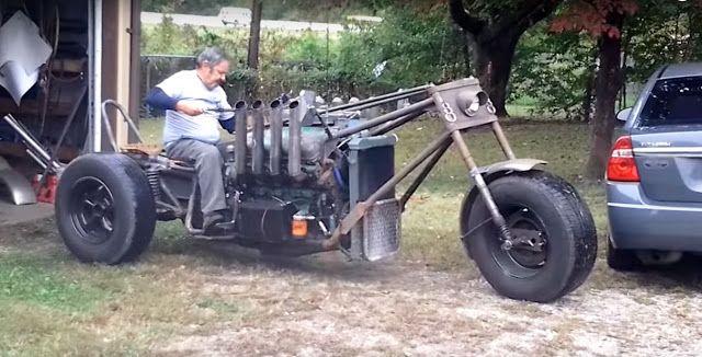 Tecnoneo: Esta súper moto de tres ruedas con motor V8 es perfecta para una película de Mad Max