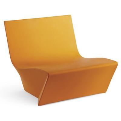 Canapea plastic rezistenta la exerior cat si la interior. Cel mai bun pret
