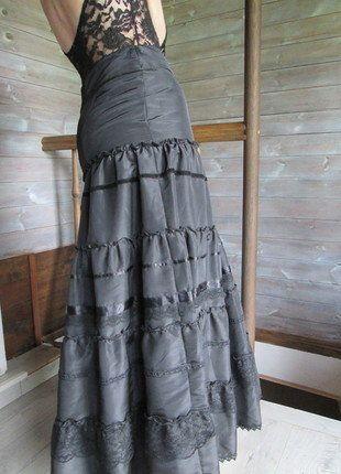 Kup mój przedmiot na #vintedpl http://www.vinted.pl/damska-odziez/spodnice/18314984-spodnica-maxi-czarna-gotycka-bialcon-koronki