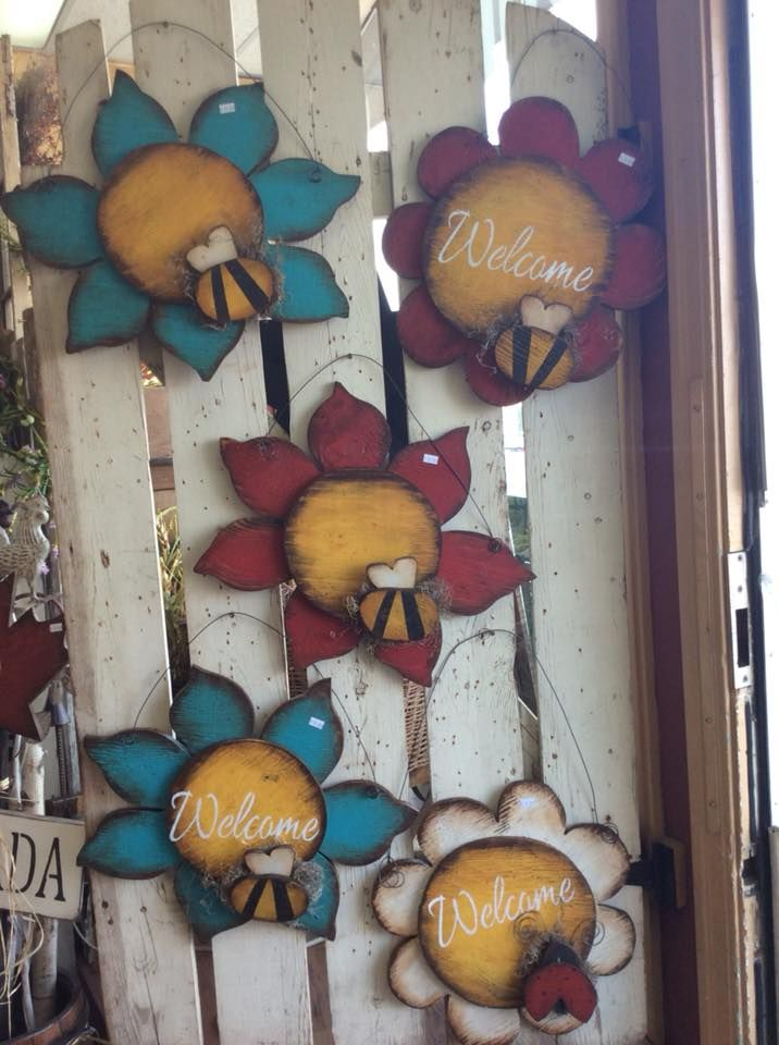 Pin By Angie Hansen Henderson On Let The Madness Begin Primitive Wood Crafts Spring Crafts Wooden Flowers